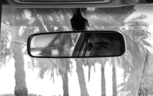 rear-mirror-491417_1280